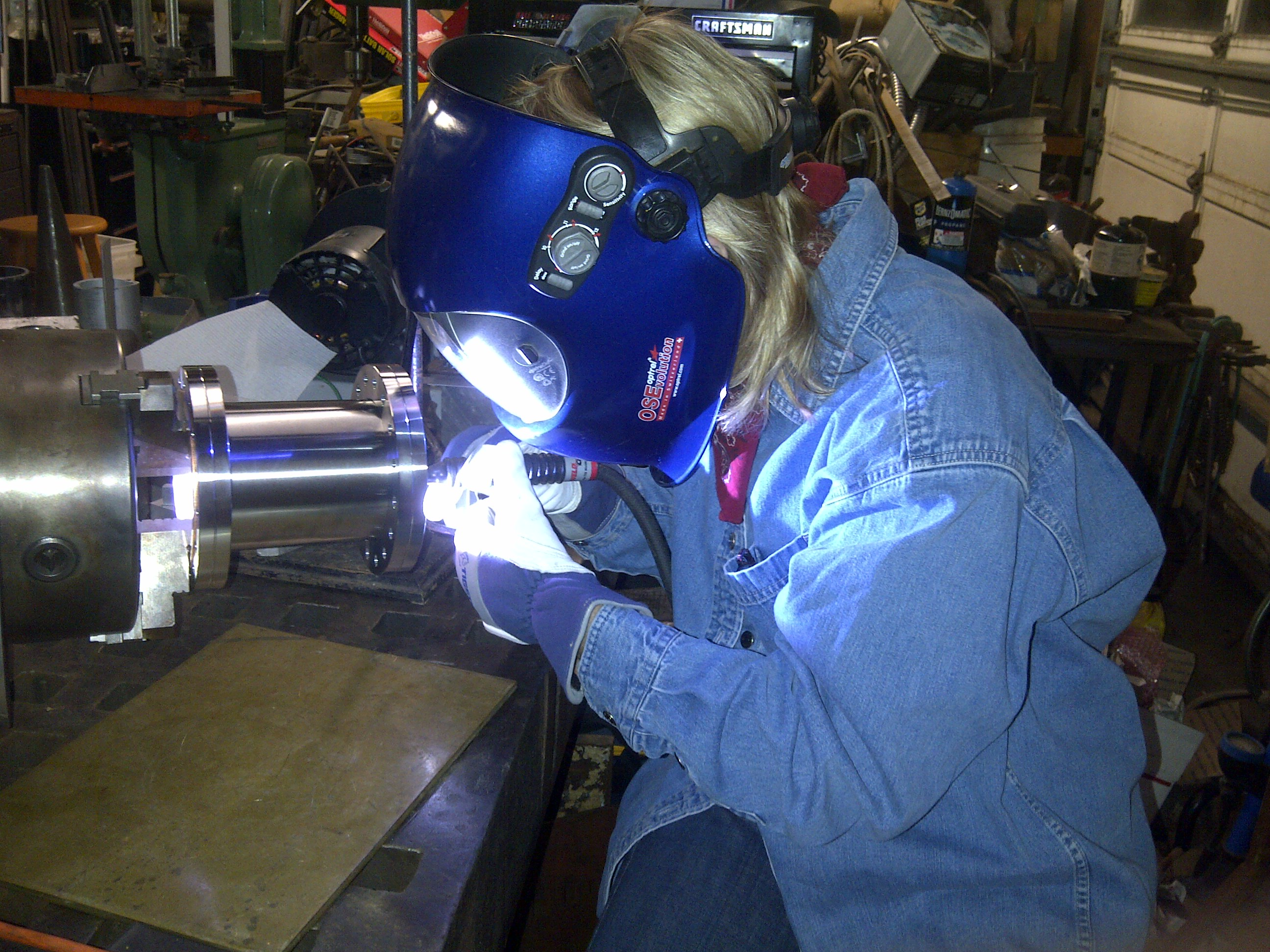 Welding a flange onto a stainless steel vessel-1